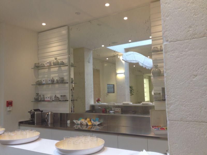 miroirs sur mesure autour d 39 avignon 84 vaucluse. Black Bedroom Furniture Sets. Home Design Ideas